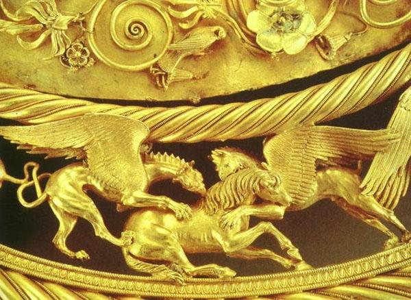 Грифоны терзающие лошадь фрагмент