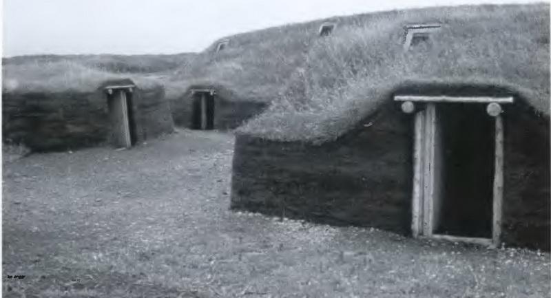 Реконструкция дерновых хижин викингов в лАнс-о-Медоуз.