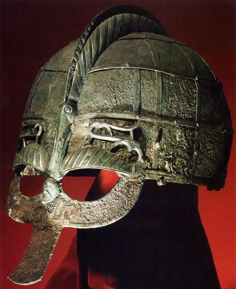 Но и тут автор новдела допустил много отличий от скандинавских шлемов.